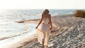 пляж девушка берег