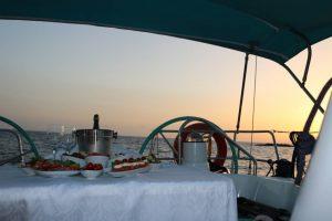 ужин на море
