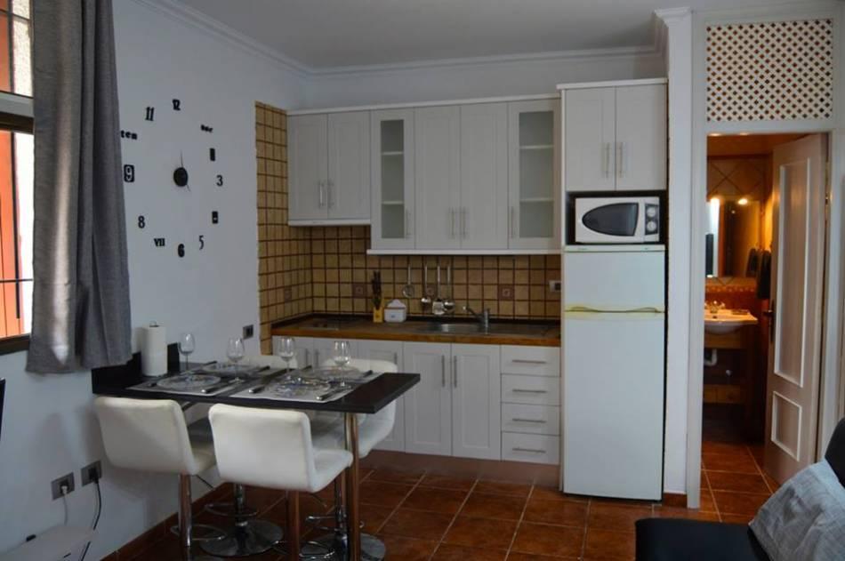 Уютная студия в Costa del Silencio/ Тенерифе кухня