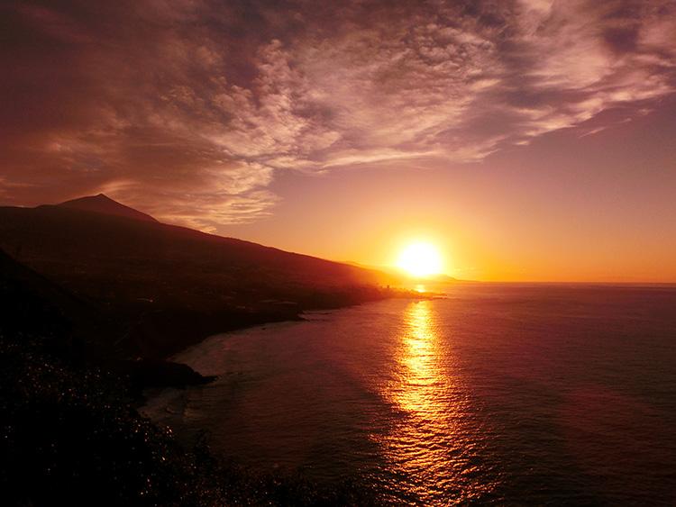 Уникальная вилла архитектора красивый закат Тенерифе