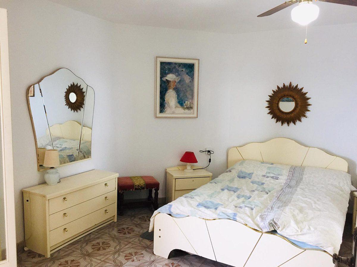 Уютная квартира с видом на океан в Los Silos интерьер спальни