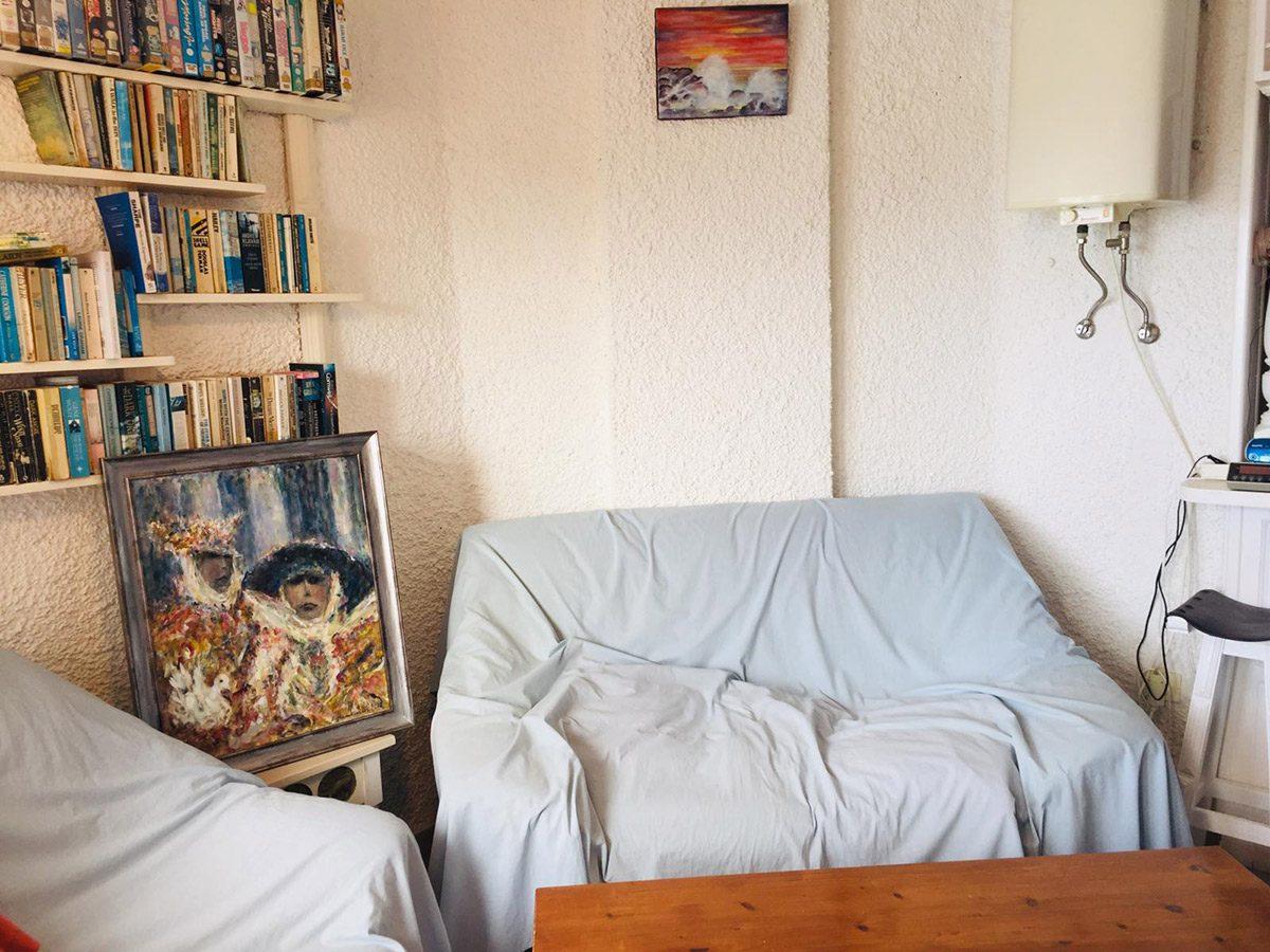 Уютная квартира с видом на океан в Los Silos диван