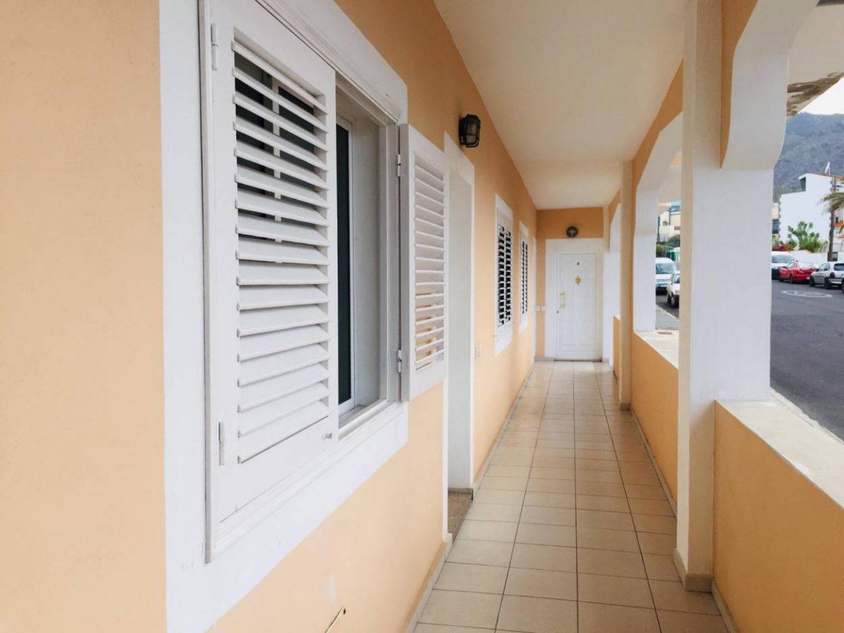 Квартира в Los Silos с видом на океан дом