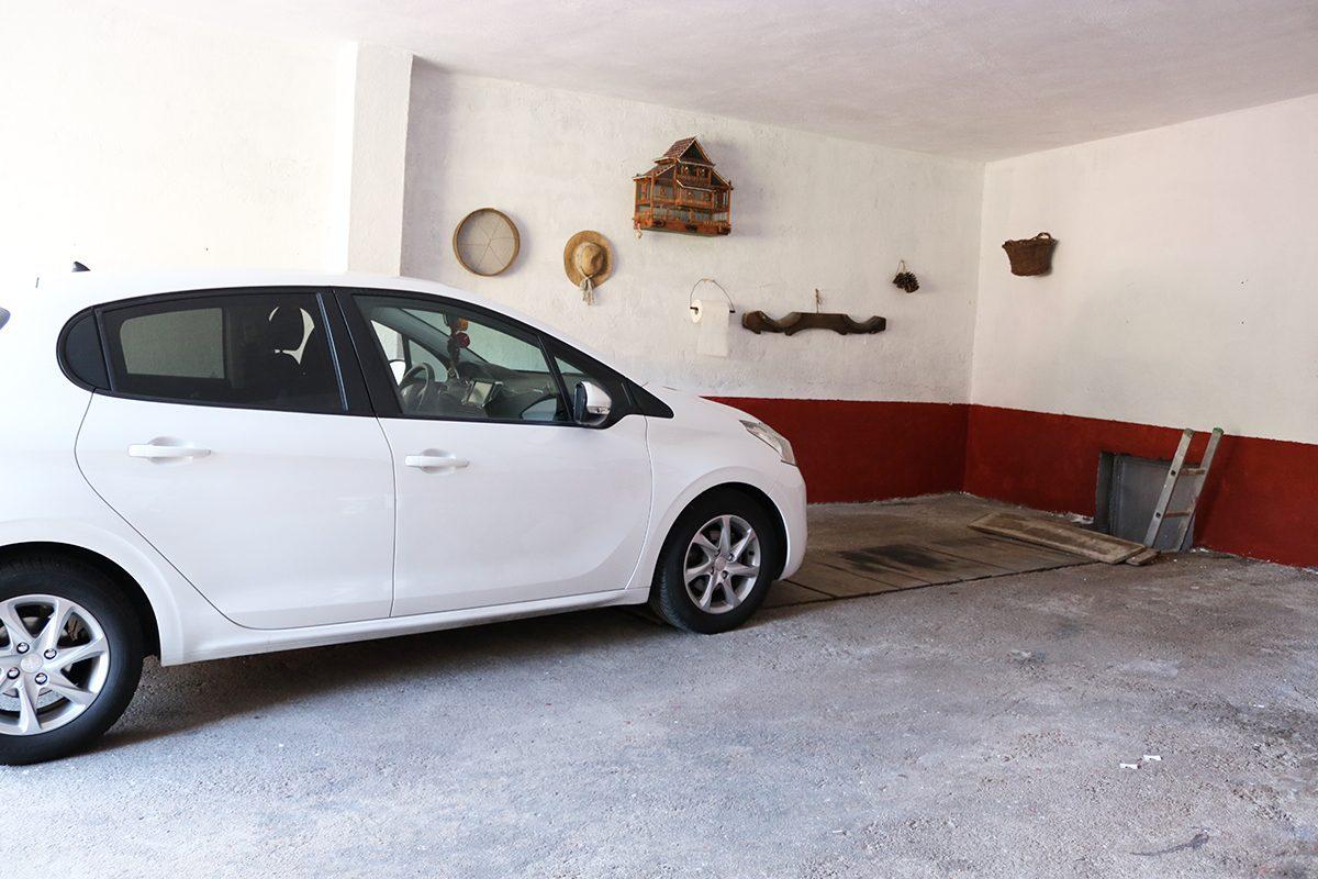 Дом под туристический бизнес гараж