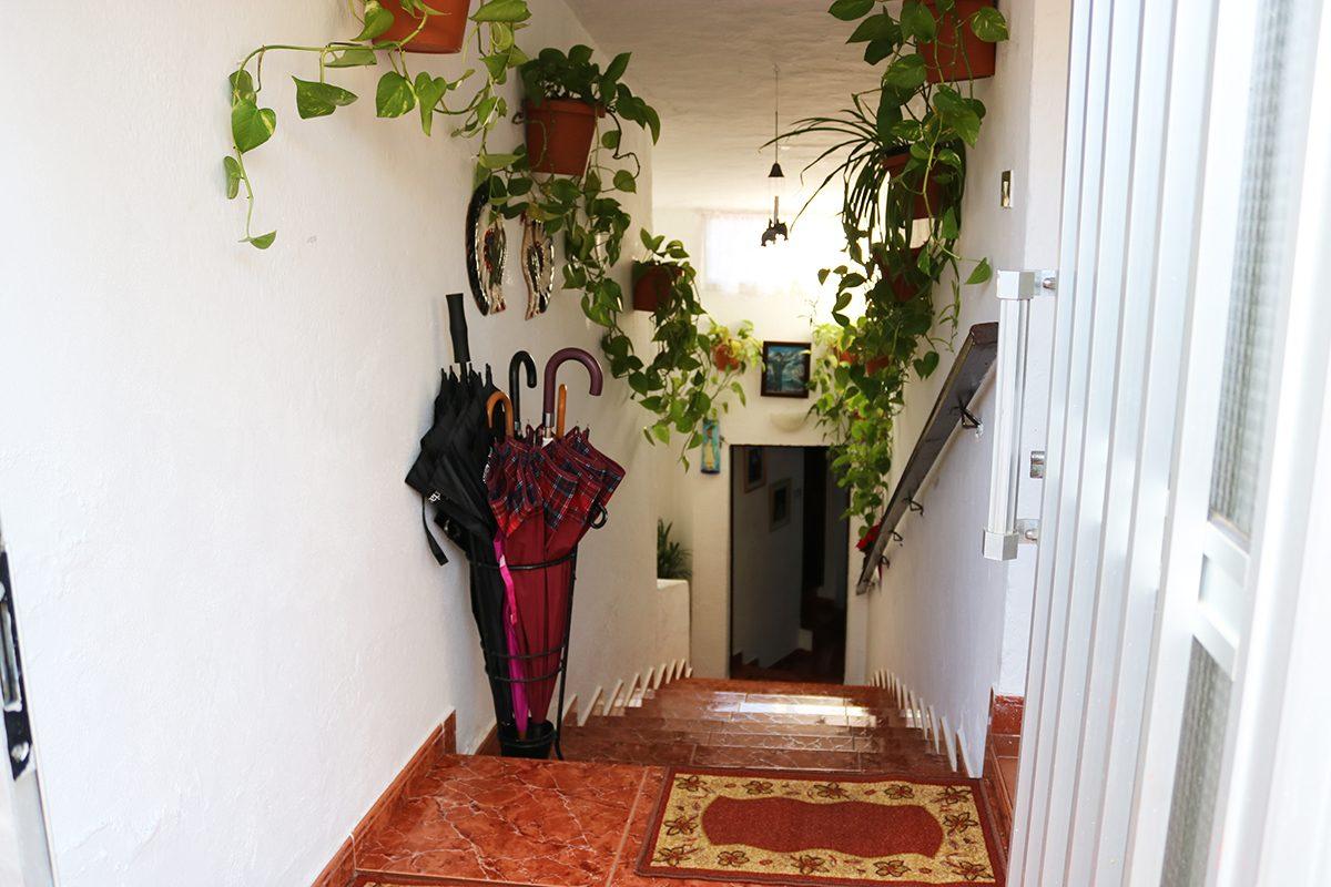 Дом под туристический бизнес вход в дом
