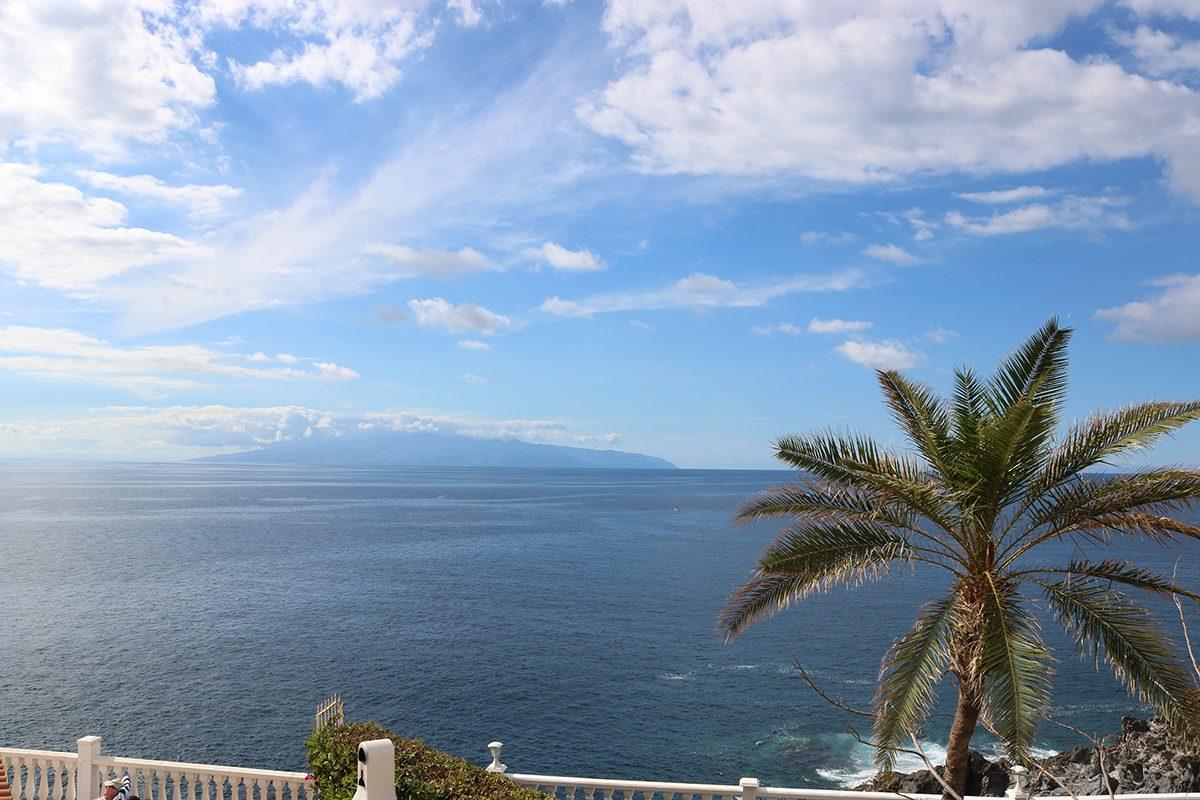 Вилла в Кальяо Сальвахе с видом на океан в первой линии