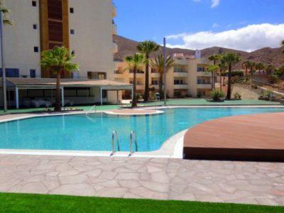 Апартамент 70 м2 в Los Cristianos на первой линии