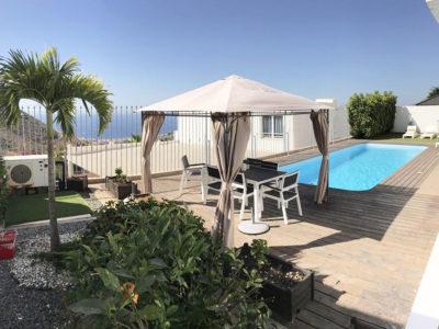 Современная вилла с бассейном в Torviscas Alto/Costa de Adeje