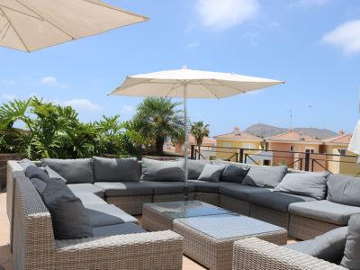 Мини-Отель (Вилла) с бассейном и садом в Chayofa
