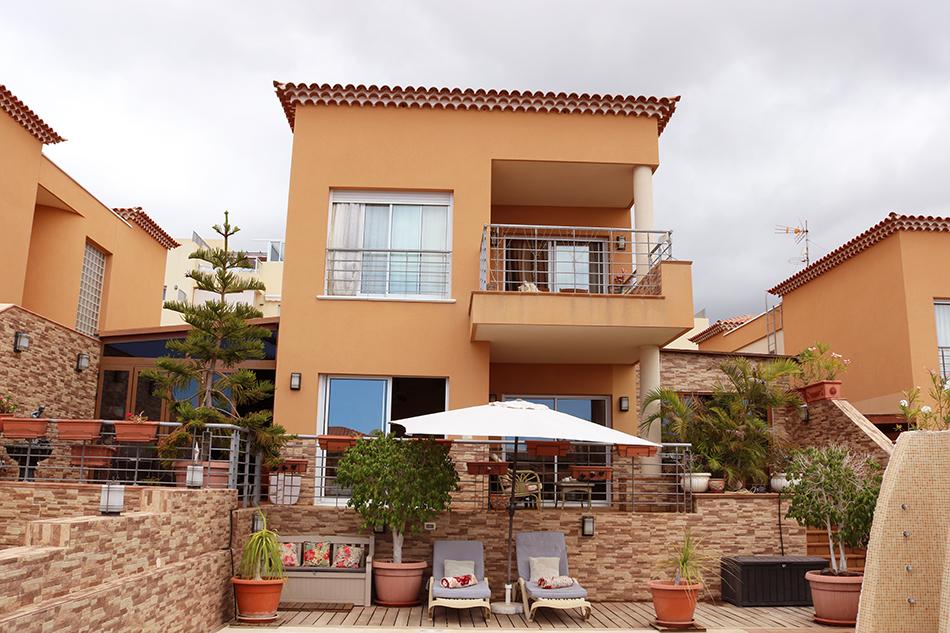 Современная вилла с 5 спальнями в Puerto de Santiago