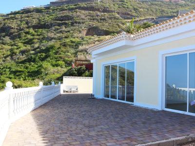 Современный дом в El Sauzal